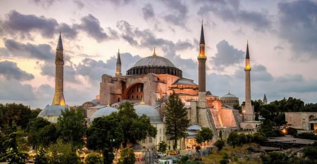 Ayasofya Camii İçin Protokol İmzalandı