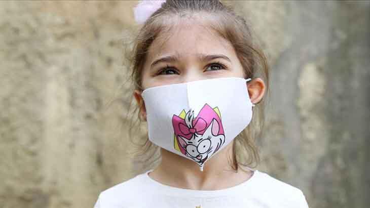 Çocuklara desenli maske takmayın!