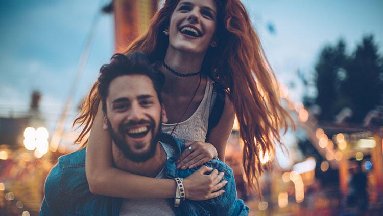 İlk hamleyi yapan kadınların başarılı ilişkileri