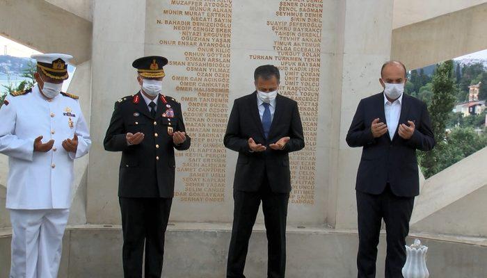 İstanbul Valisi 15 Temmuz Şehitler Anıtı'nı ziyaret etti
