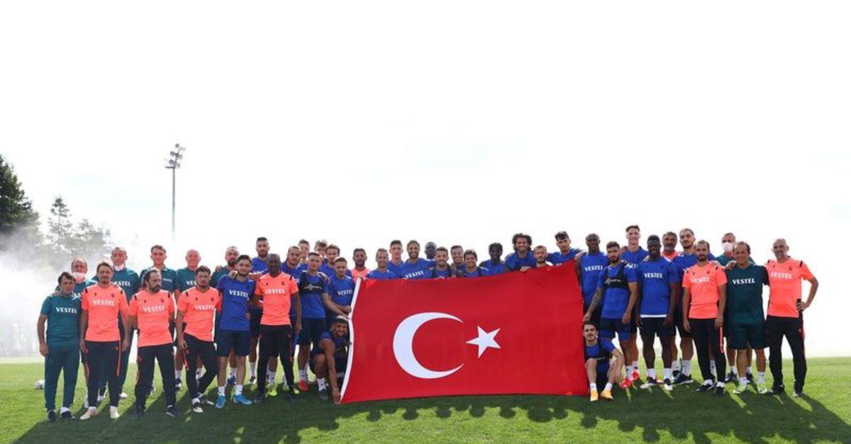 Trabzonspor'dan 30 Ağustos pozu