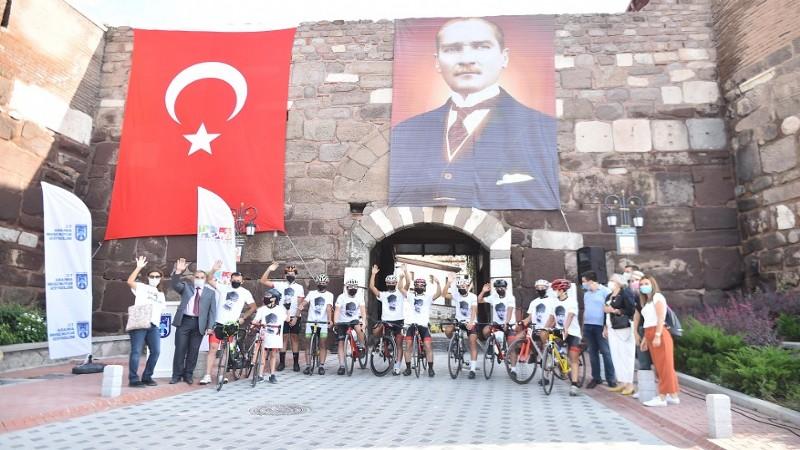 Ankara Kalesi'nin bayrağı Polatlı'da