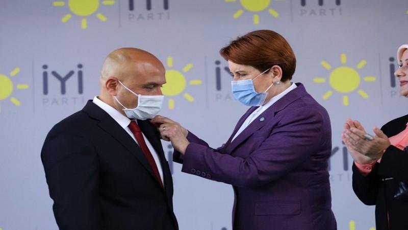 Erhan Usta, İYİ Parti'ye katıldı