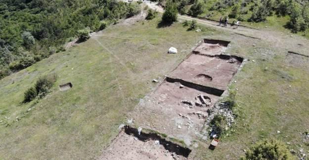Ezber Bozan 12 Bin Yıllık Kahin Tepe'de Çalışmalar Sürüyor