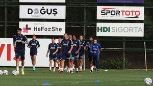 Galatasaray derbi için kampa girdi