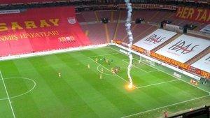 Galatasaray - Fenerbahçe derbisinde 12 sarı kart!