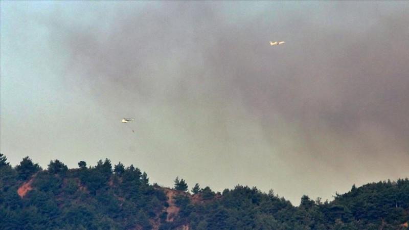Hatay'daki orman yangınına havadan müdahale