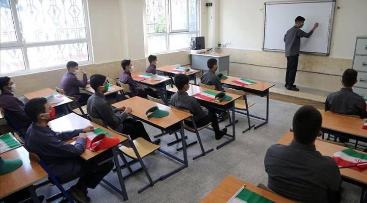 İran'da okullarda devam zorunluluğu aranmayacak