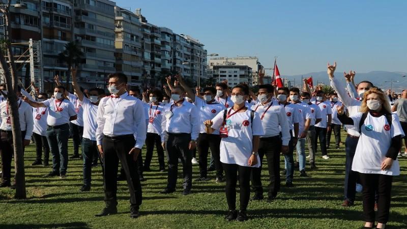 """İzmir'de İstiklal İçin Kararlılık Yürüyüşü"""""""