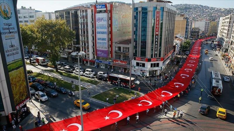 İzmir'in düşman işgalinden kurtuluşu kutlanıyor