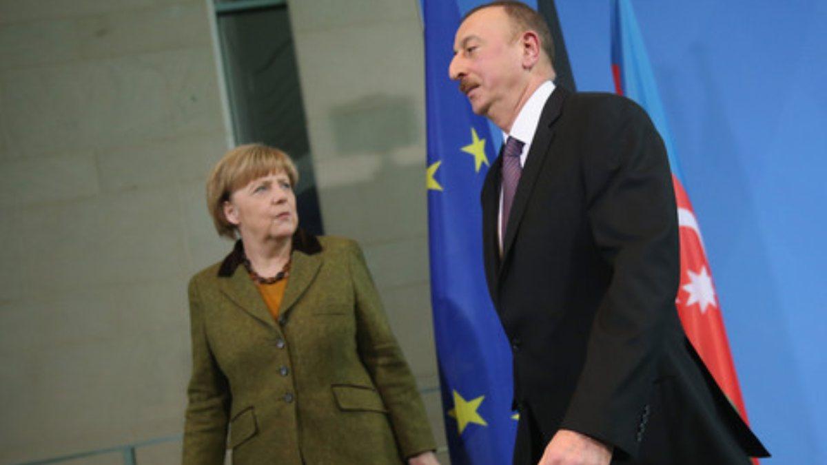Merkel, Aliyev ve Paşinyan ile Dağlık Karabağ'ı görüştü