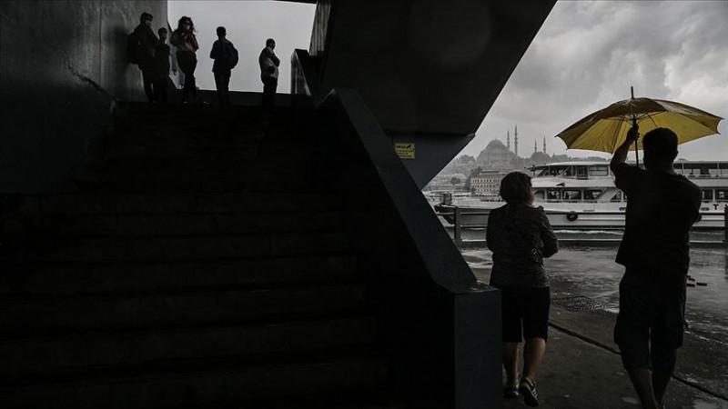 Meteorolojiden İstanbul ve çevresi için sağanak uyarısı
