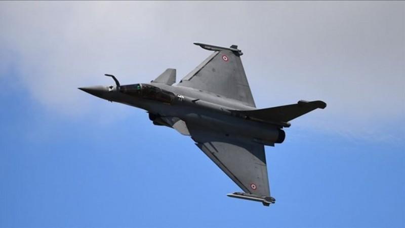 Yunanistan Fransa'dan 18 savaş uçağı satın alacak