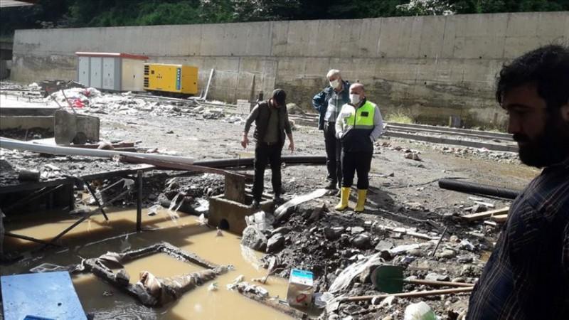 Çayeli'nde şiddetli yağış etkili oldu