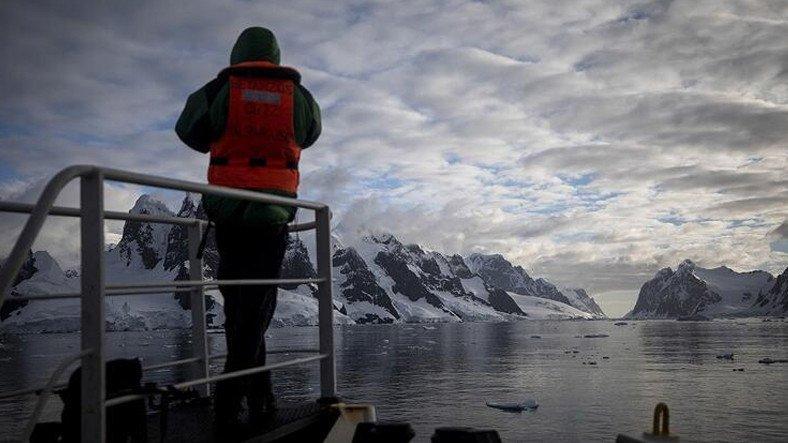 Sanayi ve Teknoloji Bakanı: Türkiye, Antarktika'da Kalıcı Üs Kuruyor