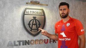 Trabzonspor'un yeni stoperi Vitor Hugo